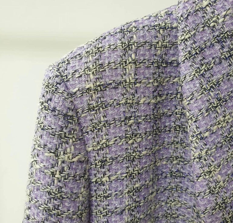 Chanel Single BreastedLavender Tweed Jacket Blazer In Excellent Condition For Sale In Kiev, UA