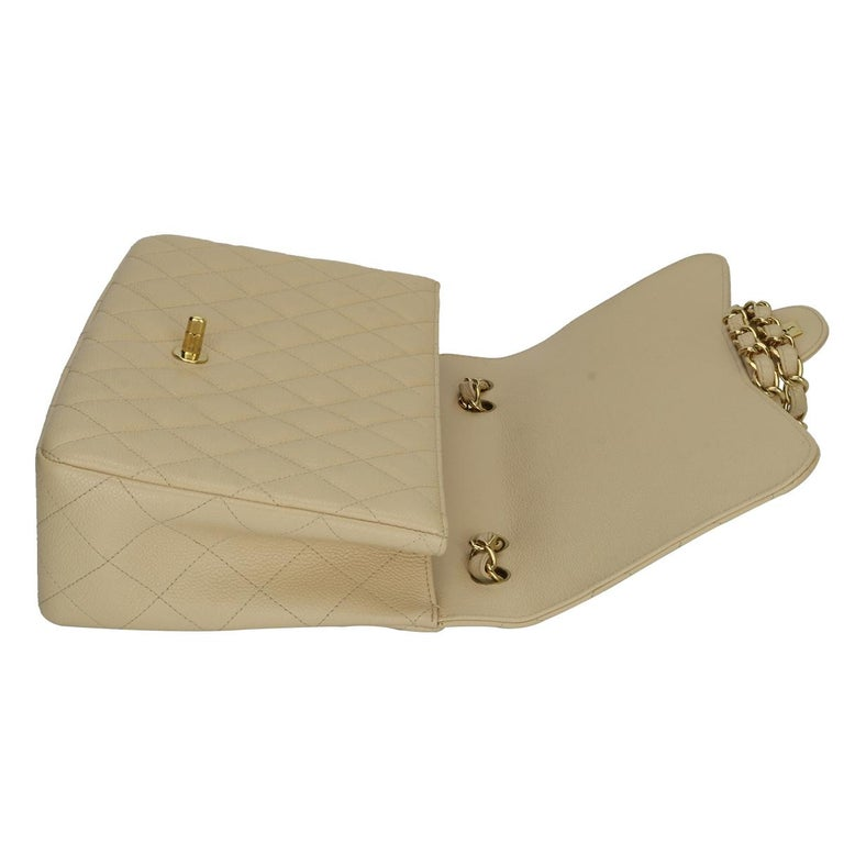 CHANEL Single Flap Jumbo Bag Beige Clair Caviar with Gold Hardware 2009 For Sale 9