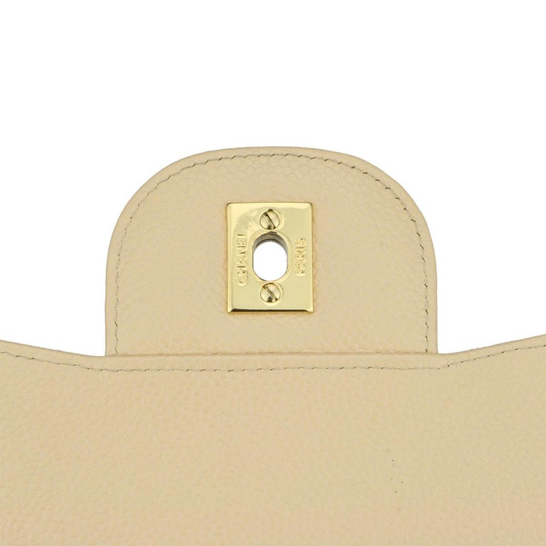 CHANEL Single Flap Jumbo Bag Beige Clair Caviar with Gold Hardware 2009 For Sale 10