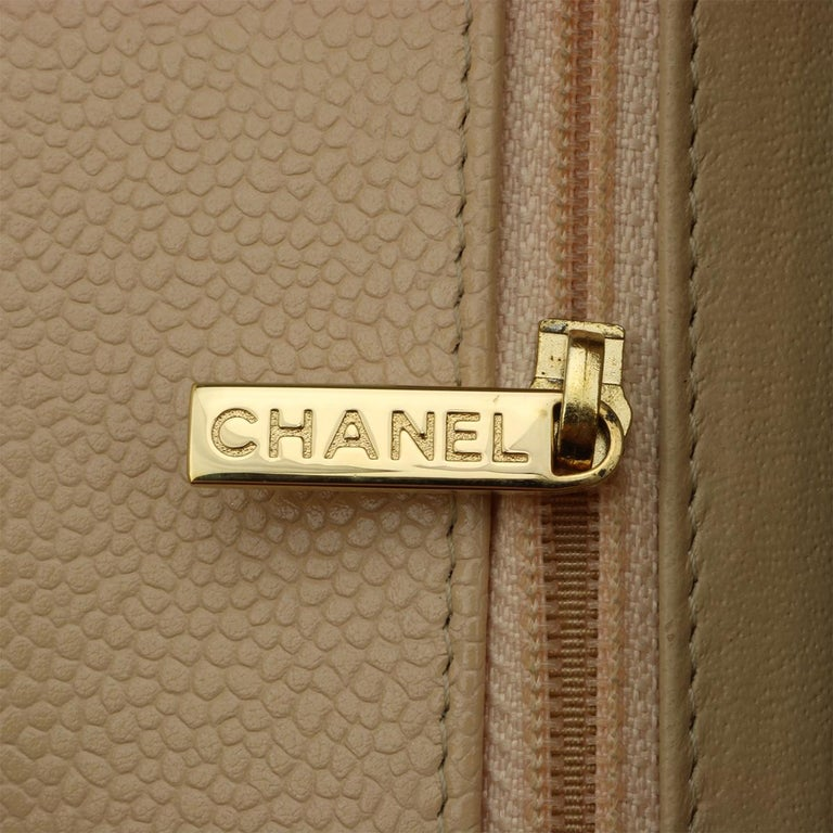 CHANEL Single Flap Jumbo Bag Beige Clair Caviar with Gold Hardware 2009 For Sale 12