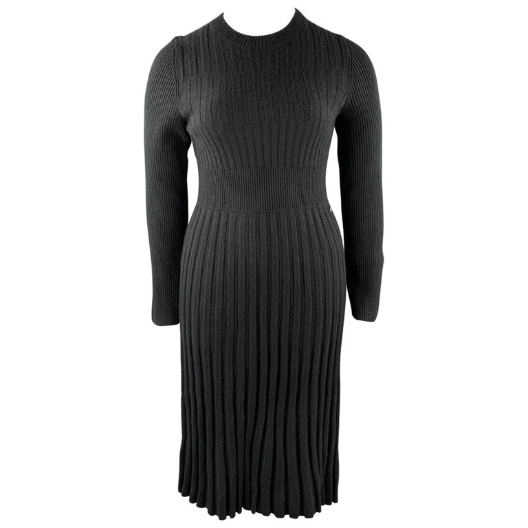 CHANEL Size 10 Black Knitted Pleated Wool Crew-Neck Sweater Dress For Sale