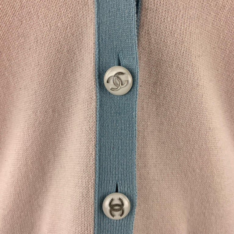 CHANEL Size 10 Pink Knitted Blue Trim Cashmere Cardigan In Good Condition For Sale In San Francisco, CA