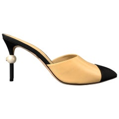 CHANEL Size 11 Beige & Black Two Toned Grosgrain Leather Pearl CC Heel Pumps