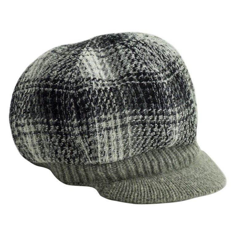 CHANEL Size 57 Cashmere Cap For Sale