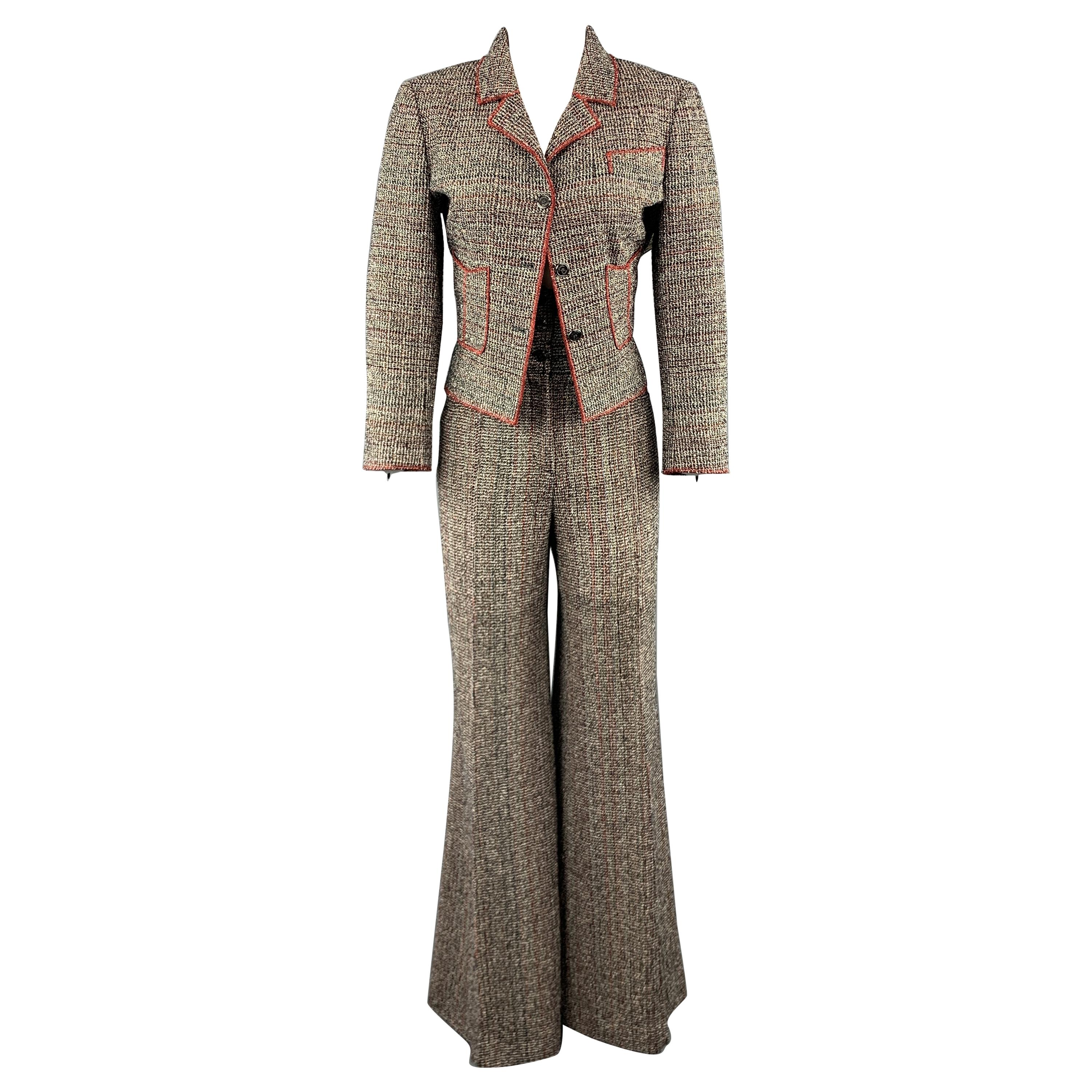 0a47f7af1 Vintage Chanel Suits, Outfits and Ensembles - 326 For Sale at 1stdibs