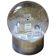 Chanel Snow Globe Dome Chanel VIP Collectible Large Perfume N° 5 Snow Globe