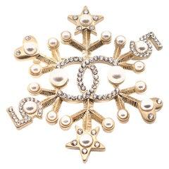 CHANEL Snow Star Brooch