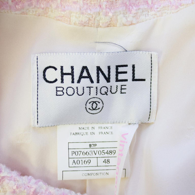Chanel Spring 1998 Pink Bouclé 3/4 Length Jacket  For Sale 2
