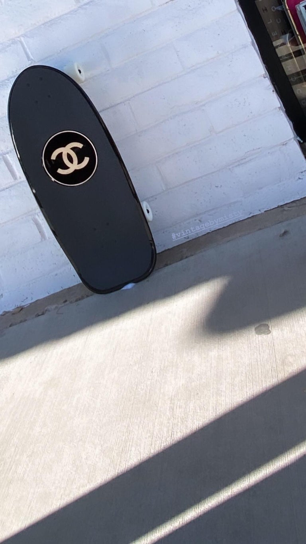 Women's or Men's Chanel SS19 Skateboard  For Sale