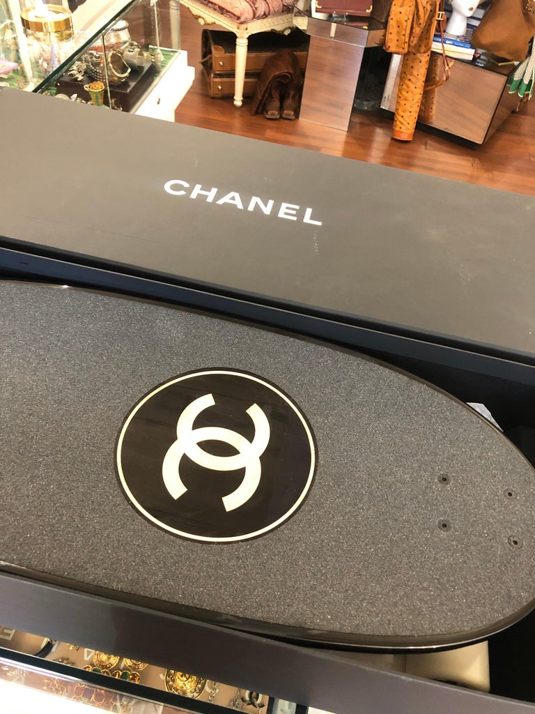 Chanel SS19 Skateboard  For Sale 2
