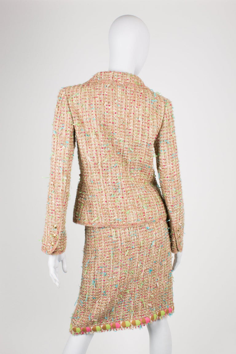 Chanel Suit 2-pcs Jacket & Skirt - beige/blue/pink/green In Excellent Condition For Sale In Baarn, NL