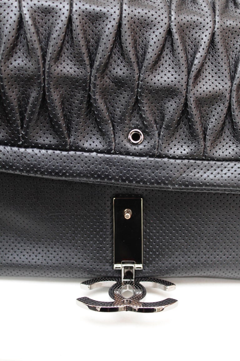 Chanel superb black leather bag, 2008/2009 Fall/Winter Collection For Sale 5