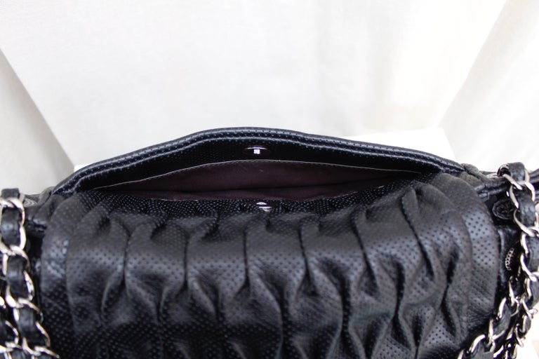 Chanel superb black leather bag, 2008/2009 Fall/Winter Collection For Sale 6
