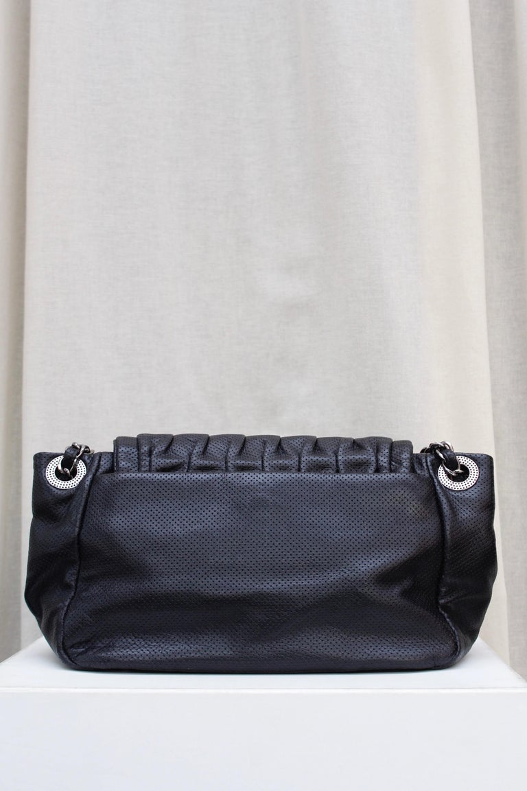 Chanel superb black leather bag, 2008/2009 Fall/Winter Collection In Excellent Condition For Sale In Paris, FR