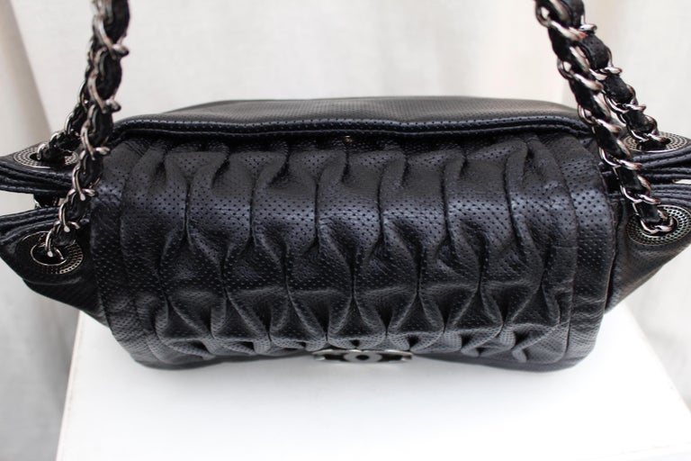 Chanel superb black leather bag, 2008/2009 Fall/Winter Collection For Sale 2
