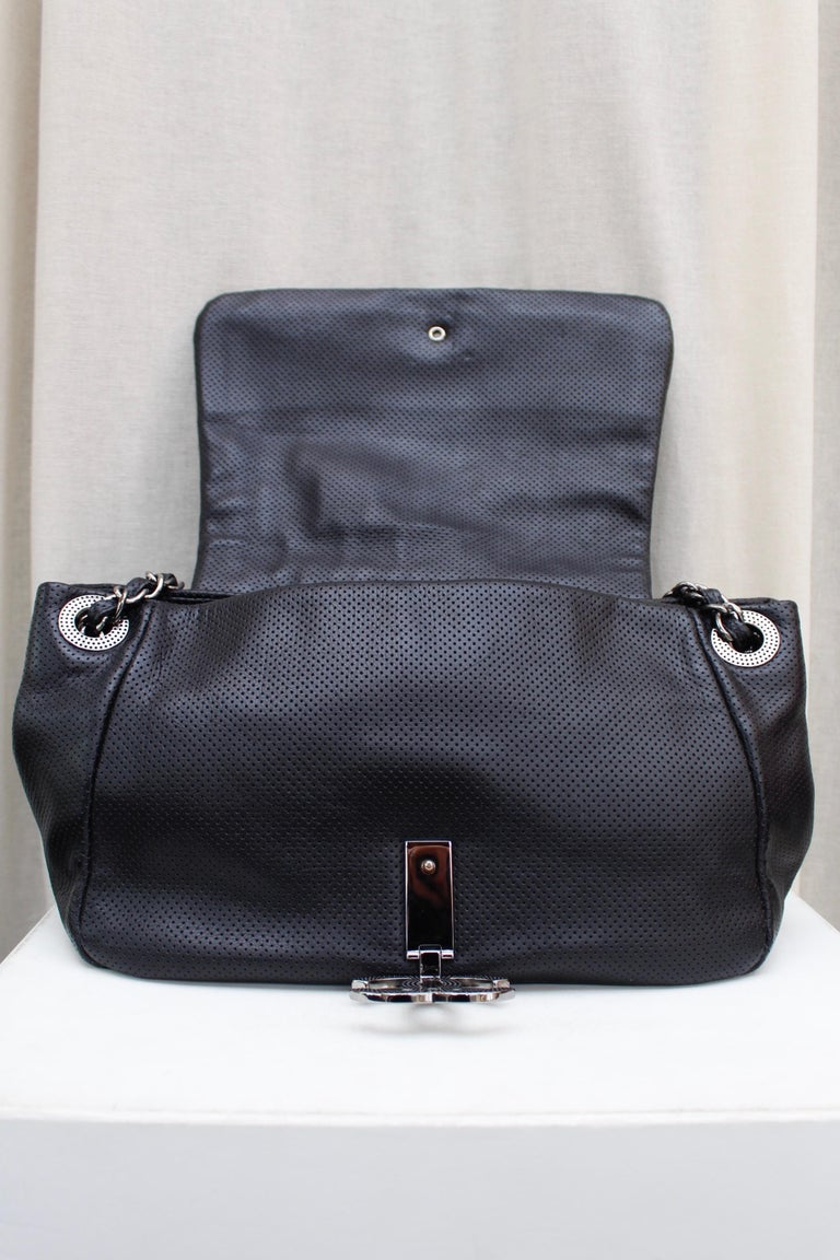 Chanel superb black leather bag, 2008/2009 Fall/Winter Collection For Sale 3
