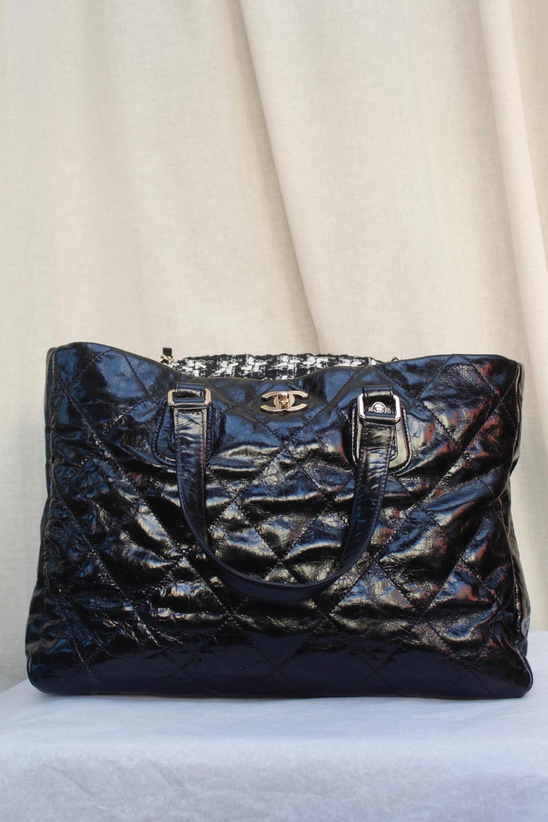 Black Chanel superb black patent leather and tweed tote bag, 2008 – 2009 For Sale