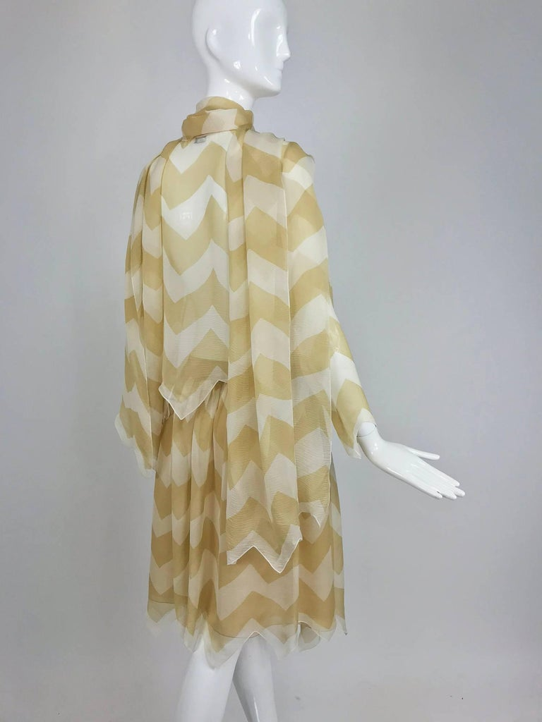 Chanel tan and cream zig zag silk chiffon blouse and skirt 2000A In Excellent Condition For Sale In West Palm Beach, FL