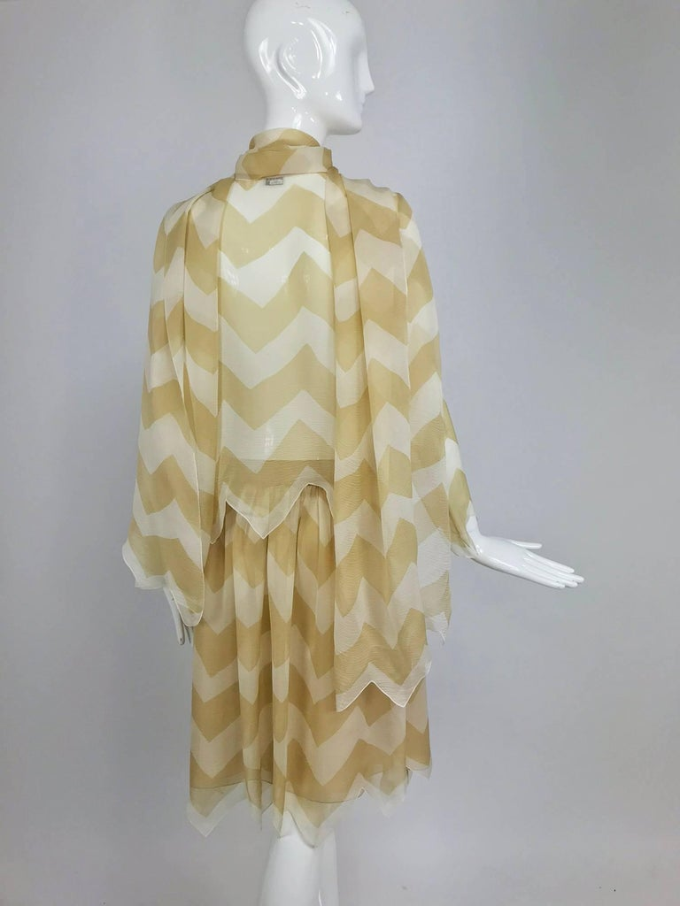 Women's Chanel tan and cream zig zag silk chiffon blouse and skirt 2000A For Sale