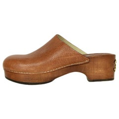 Chanel Tan Leather Clogs with CC sz 37.5