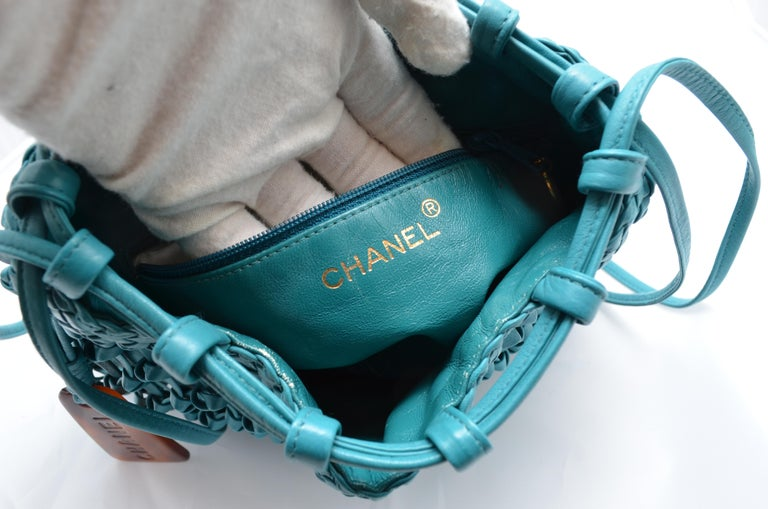 Chanel Teal Leather Knot Bucket Bag For Sale 6