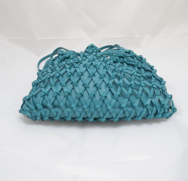 Women's or Men's Chanel Teal Leather Knot Bucket Bag For Sale