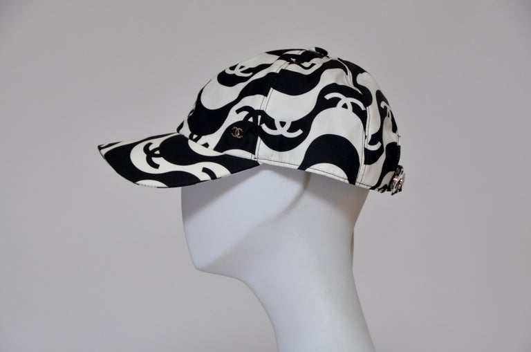 CHANEL Tennis Black/White Hat NEW With Tags In New Condition For Sale In New York, NY