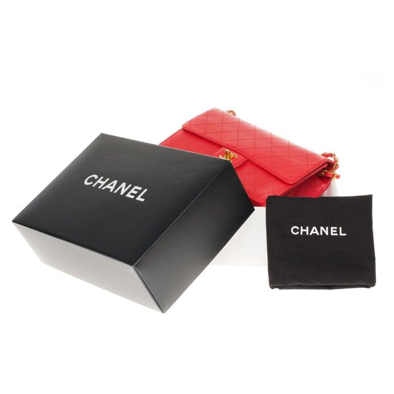 Chanel Timeless 25cm crossbody handbag in red padded caviar leather, GHW 9