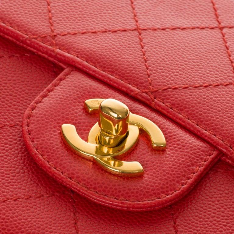Women's Chanel Timeless 25cm crossbody handbag in red padded caviar leather, GHW