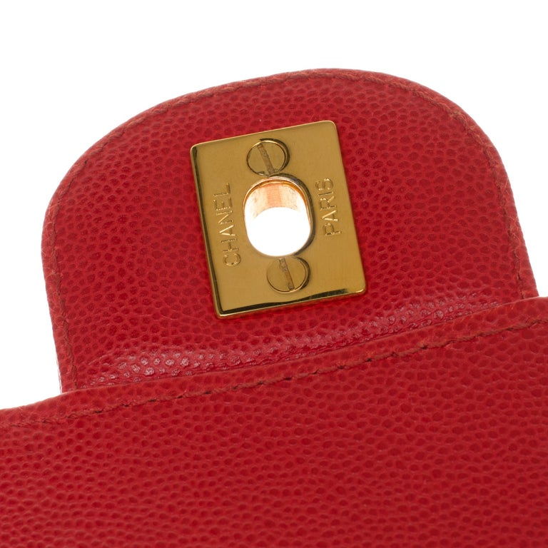 Chanel Timeless 25cm crossbody handbag in red padded caviar leather, GHW 2