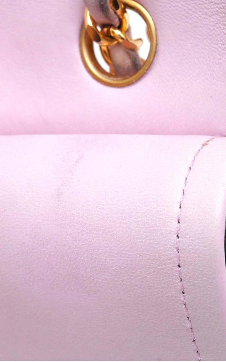 Chanel Timeless Chevron medium handbag in Baby Pink Leather and gold hardware For Sale 11