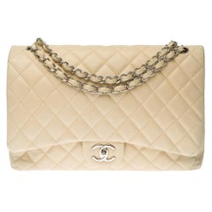 Chanel Timeless Maxi Jumbo shoulder bag in beige quilted caviar leather, SHW