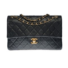 Chanel Timeless Medium Double Flap Shoulder bag in black quilted lambskin, GHW