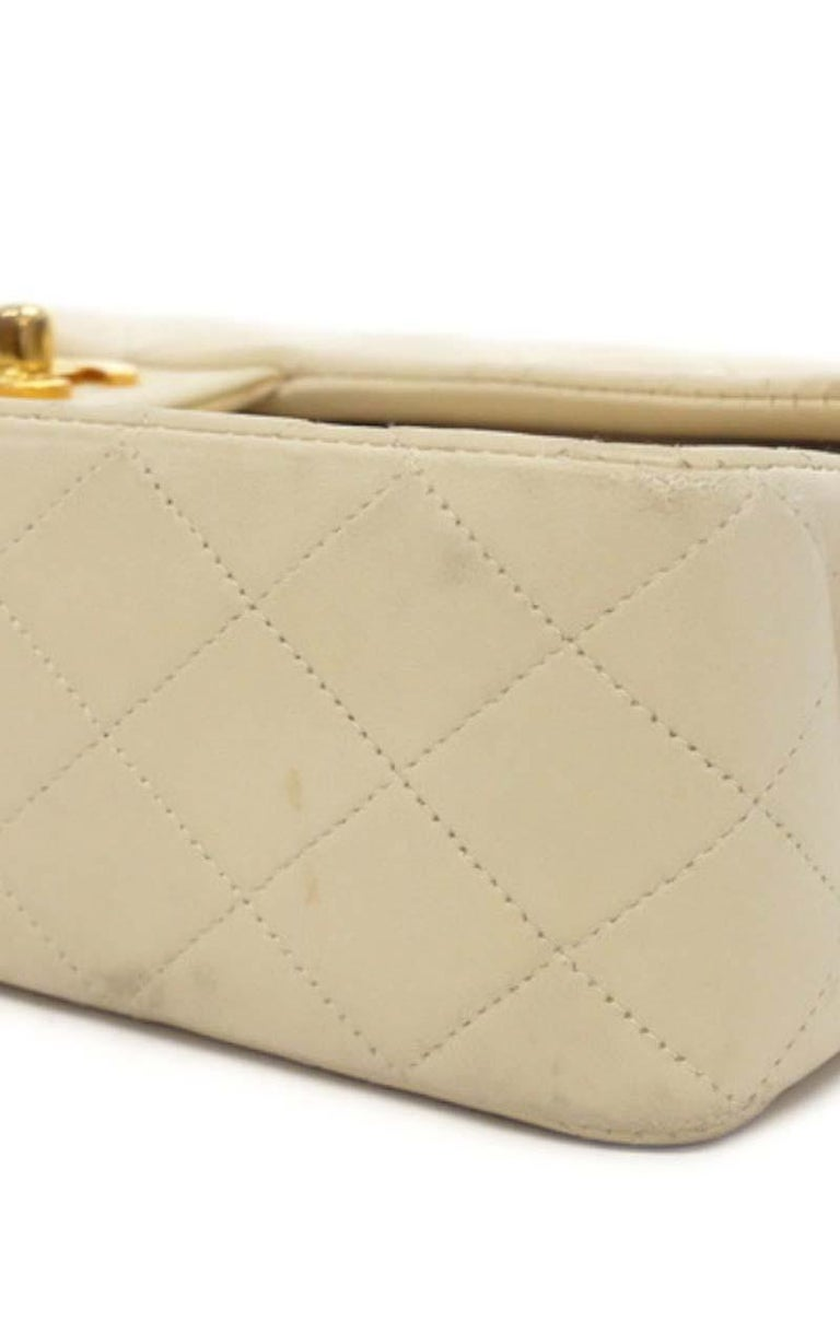 Women's Chanel Timeless medium handbag in Ivory quilted leather and gold hardware
