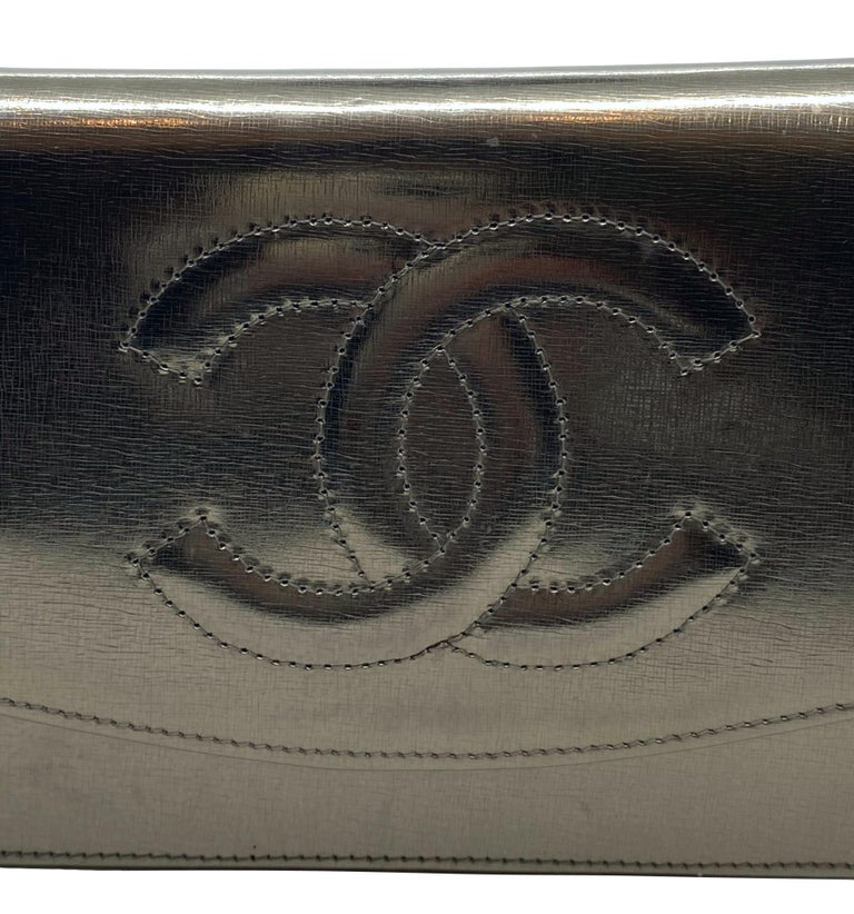 Chanel Timeless Metallic Leather Wallet on Chain Shoulder Clutch Bag, 2008. For Sale 5