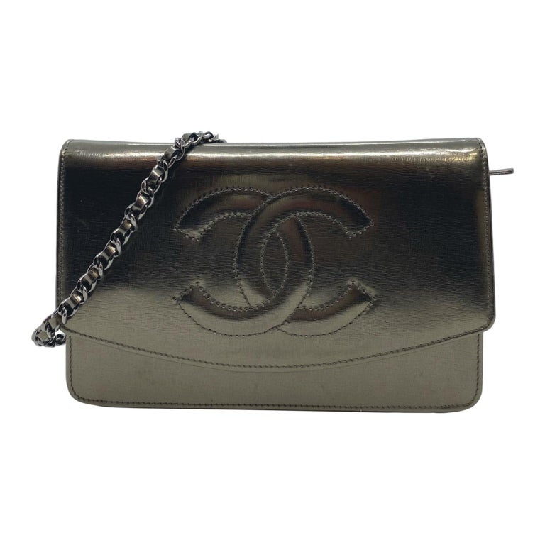 Chanel Timeless Metallic Leather Wallet on Chain Shoulder Clutch Bag, 2008. For Sale