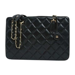 Chanel, Timeless Shopping in black leather