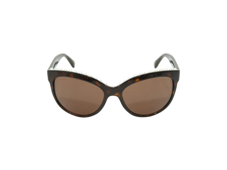 Chanel Tortoiseshell Pearl Trim Butterfly Shaped Sunglasses In Good Condition For Sale In New York, NY
