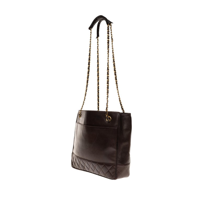 Women's Chanel Tote bag in brown lambskin, gold hardware ! For Sale