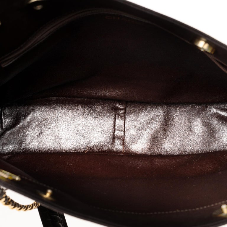 Chanel Tote bag in brown lambskin, gold hardware ! For Sale 3