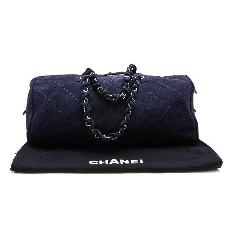 CHANEL Tote Bag in Navy Blue Quilted Suede For Sale 2
