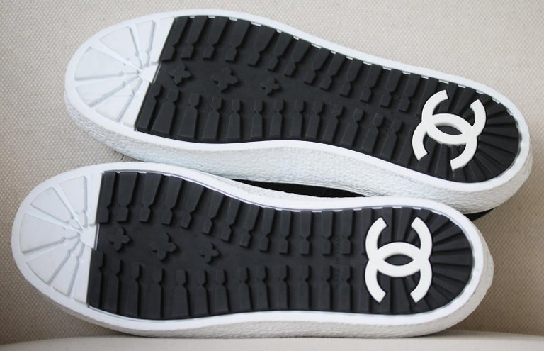 Women's Chanel Tweed and Suede Slip-On Sneakers For Sale