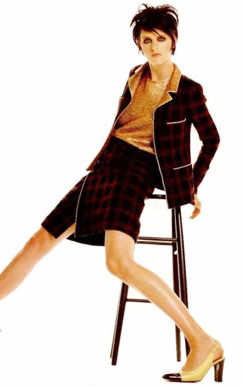 Chanel Tweed & Metallic Gold Lamé Gripoix Button Jacket Blazer Skirt Suit For Sale 6