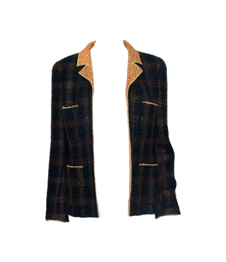 Black Chanel Tweed & Metallic Gold Lamé Gripoix Button Jacket Blazer Skirt Suit For Sale