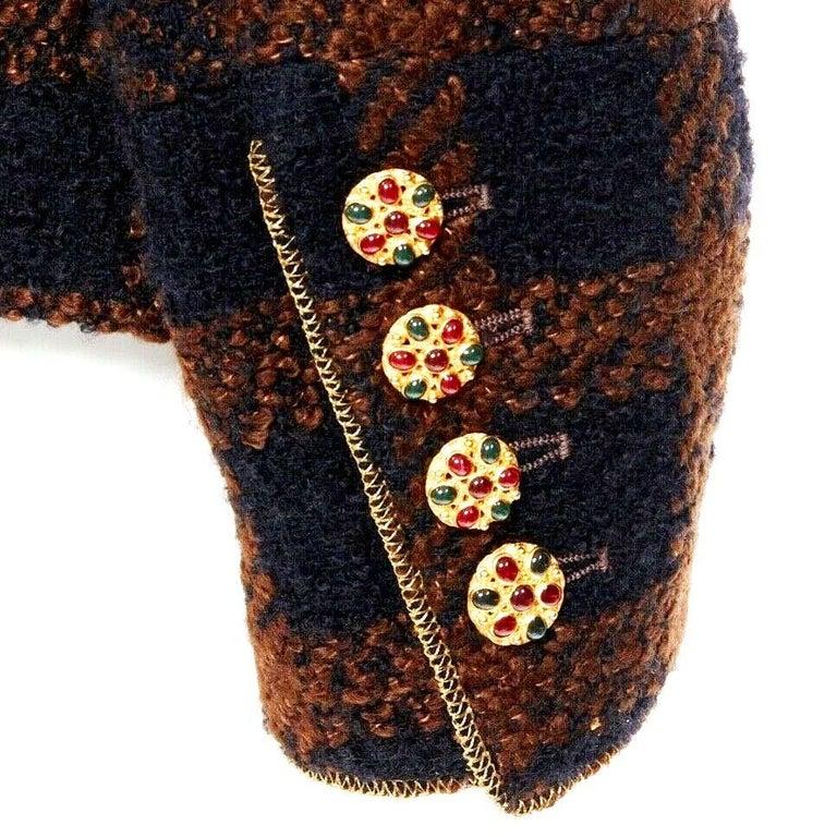 Chanel Tweed & Metallic Gold Lamé Gripoix Button Jacket Blazer Skirt Suit For Sale 2