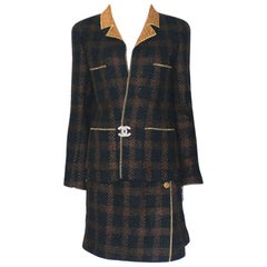 Chanel Tweed & Metallic Gold Lamé Gripoix Button Jacket Blazer Skirt Suit