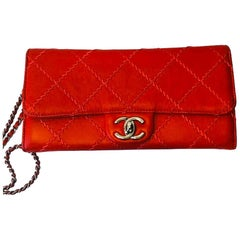 Chanel Ultimate Stitch Flap Clutch With Chain - Red - Laether