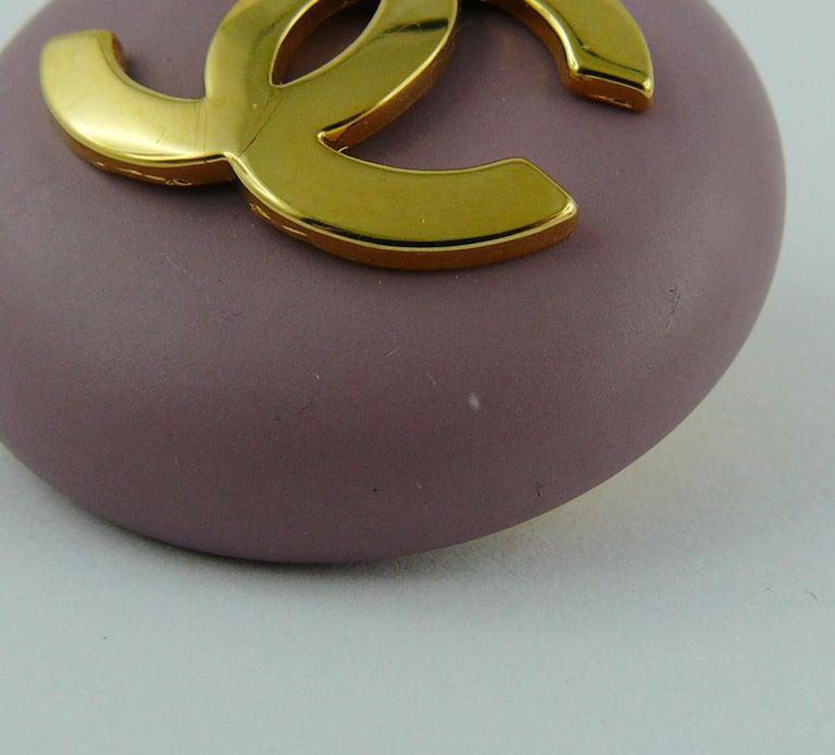 Chanel Vintage 1989 Large Purple Macaron Logo Clip-On Earrings For Sale 7