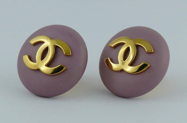 Chanel Vintage 1989 Large Purple Macaron Logo Clip-On Earrings For Sale 1