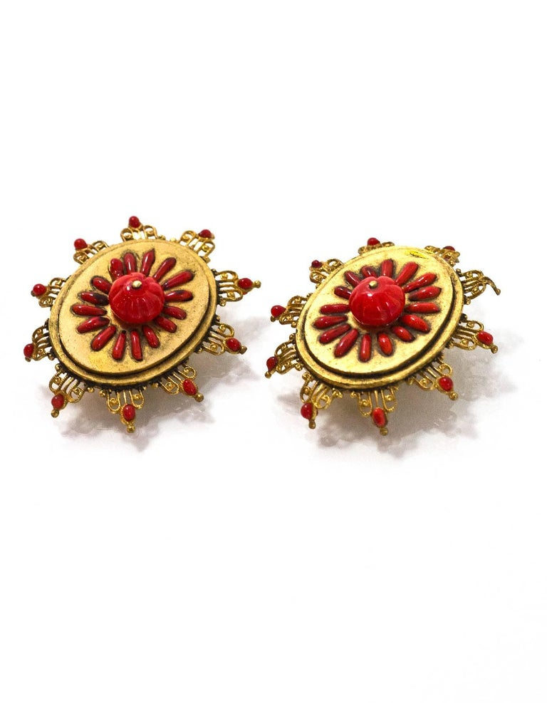 Chanel Vintage '70s-'80s Red & Gold Clip On Earrings In Excellent Condition For Sale In New York, NY